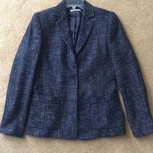 T Tahari navy tweed blazer with 3 snap closure
